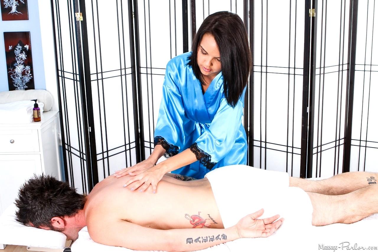 professionell massage parlor ansiktsbehandling