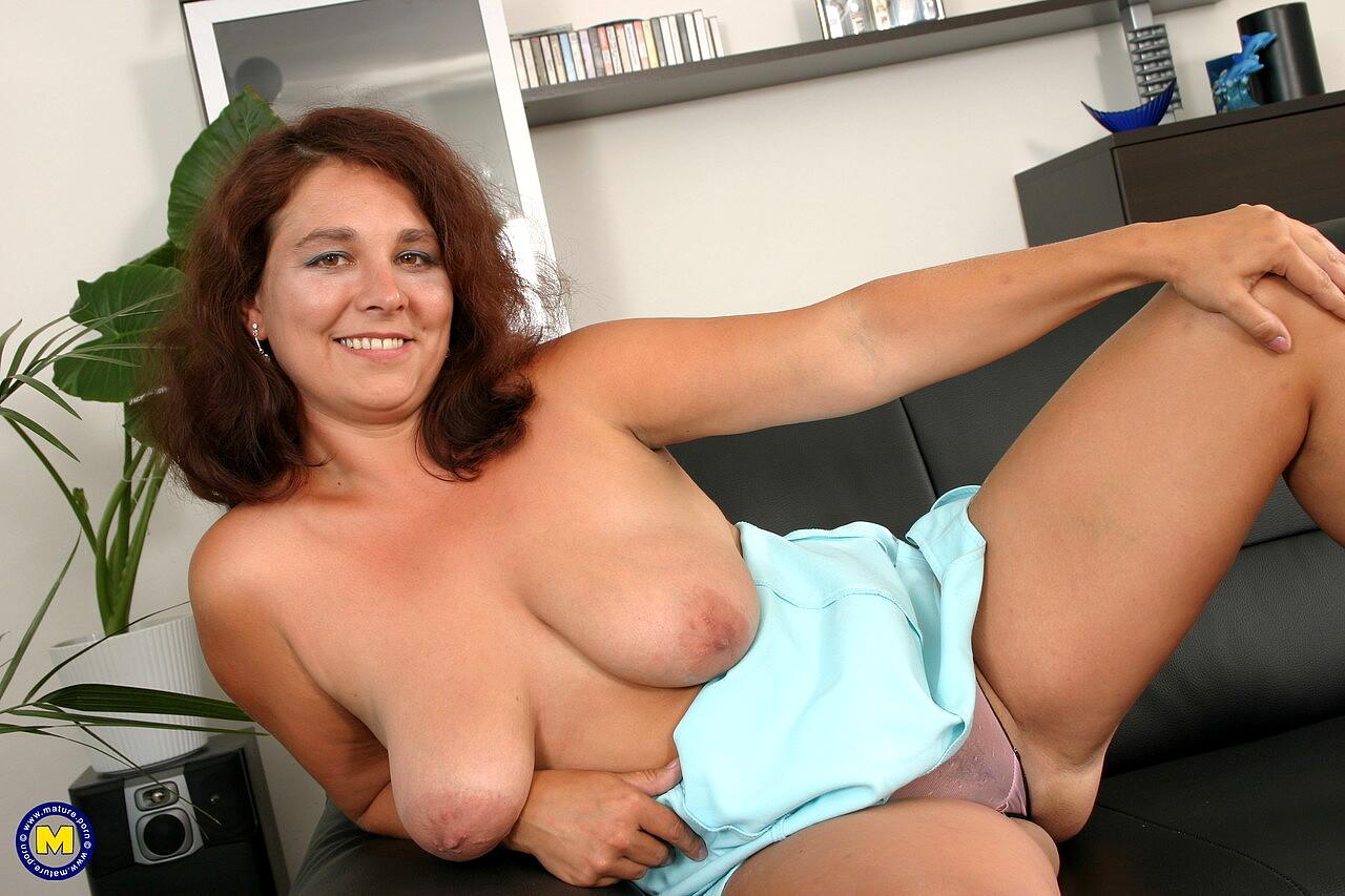 Justine mature nude spread
