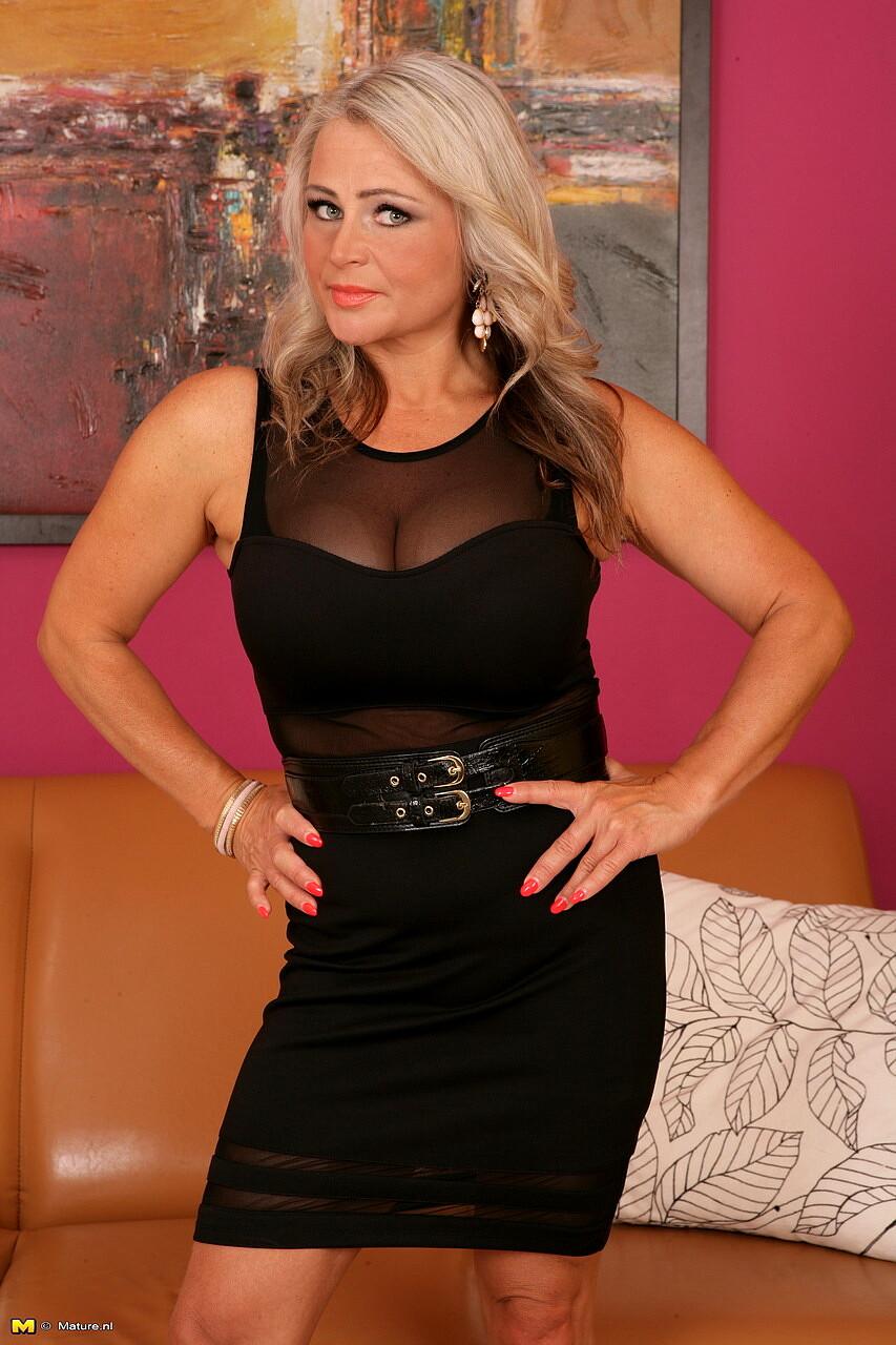 Mature Nl Lina Peters Skyy Babe Home Sex HD Pics