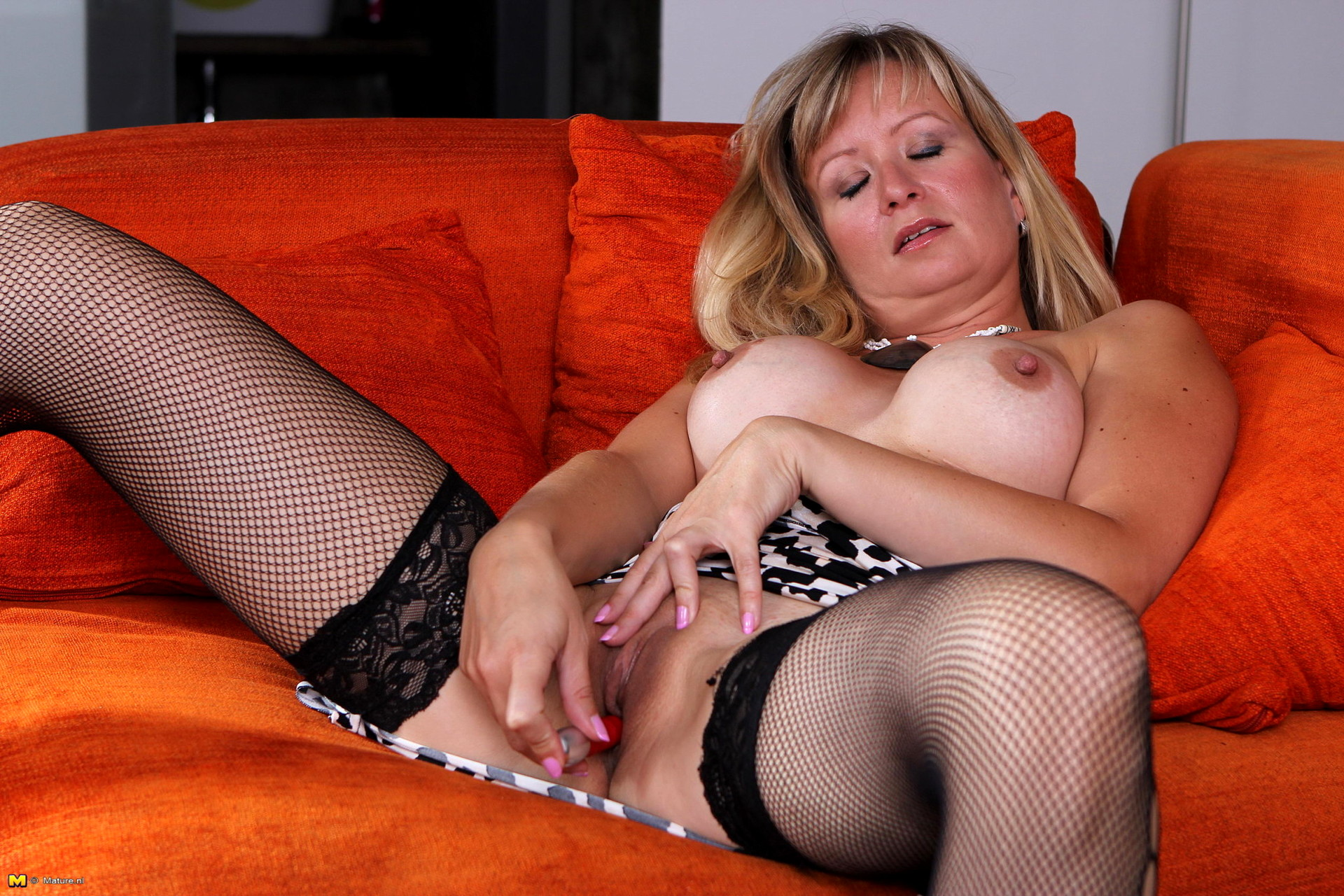 Hot horny nude housewives