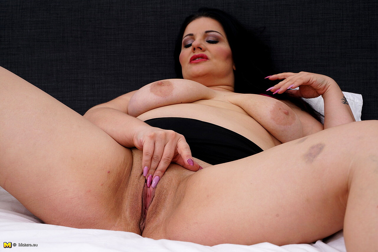 Chubby squirting, porn galery