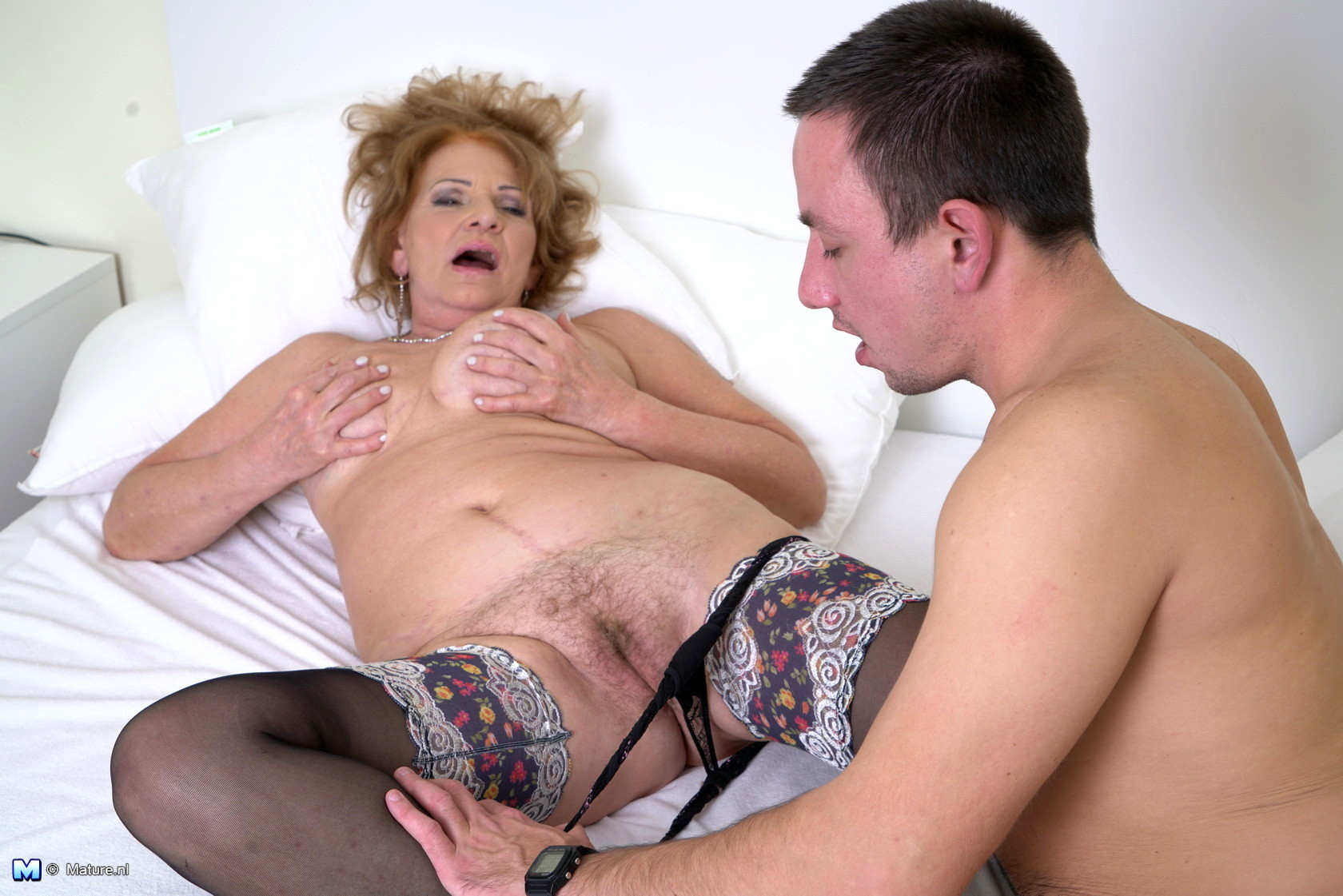 Guy Gets Two Orgasms With Mature Lady Hot Porn