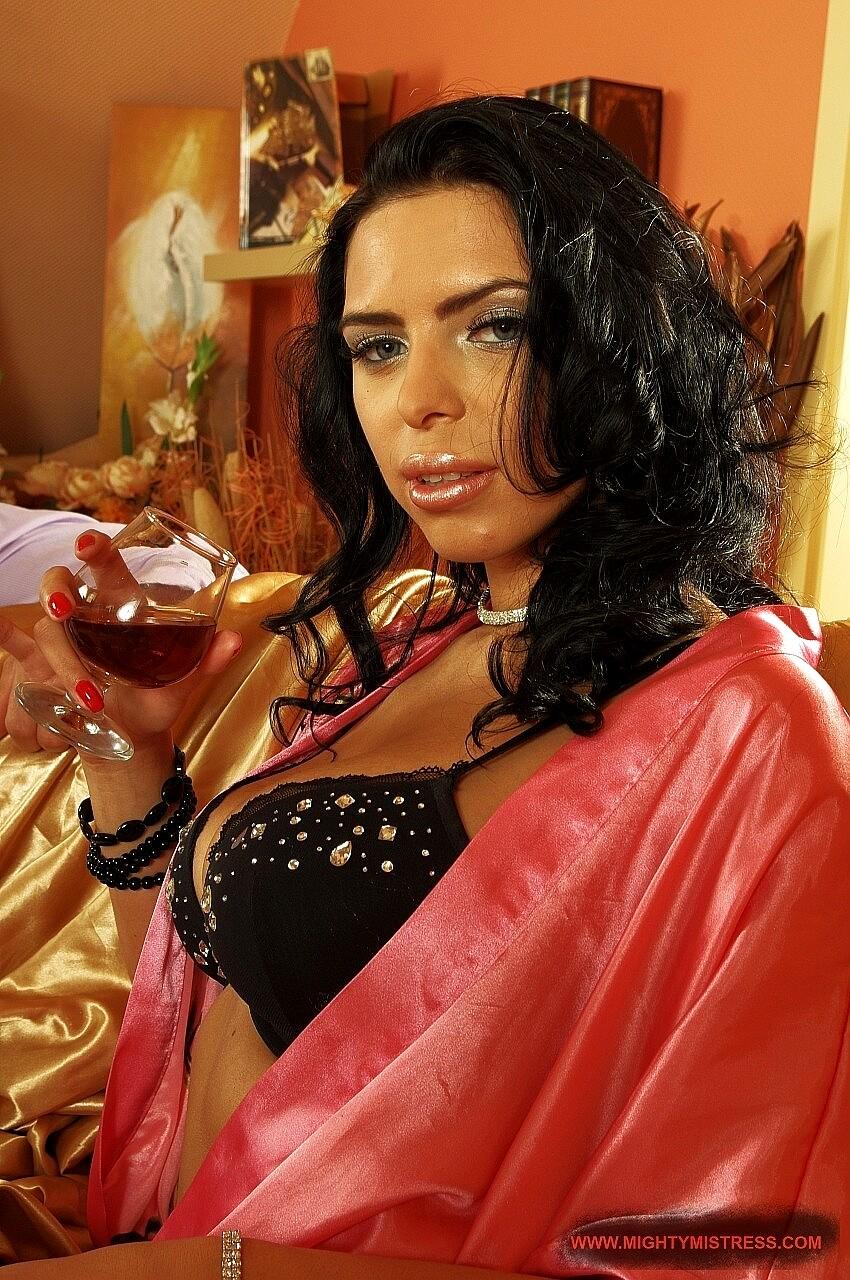 Mighty Mistress Kathia Nobili Soles Milf Wetspot Sex HD Pics