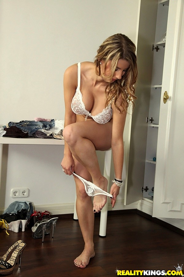 Vr Pornbusty Teacher Katerina Hartlova Seduce and Suck
