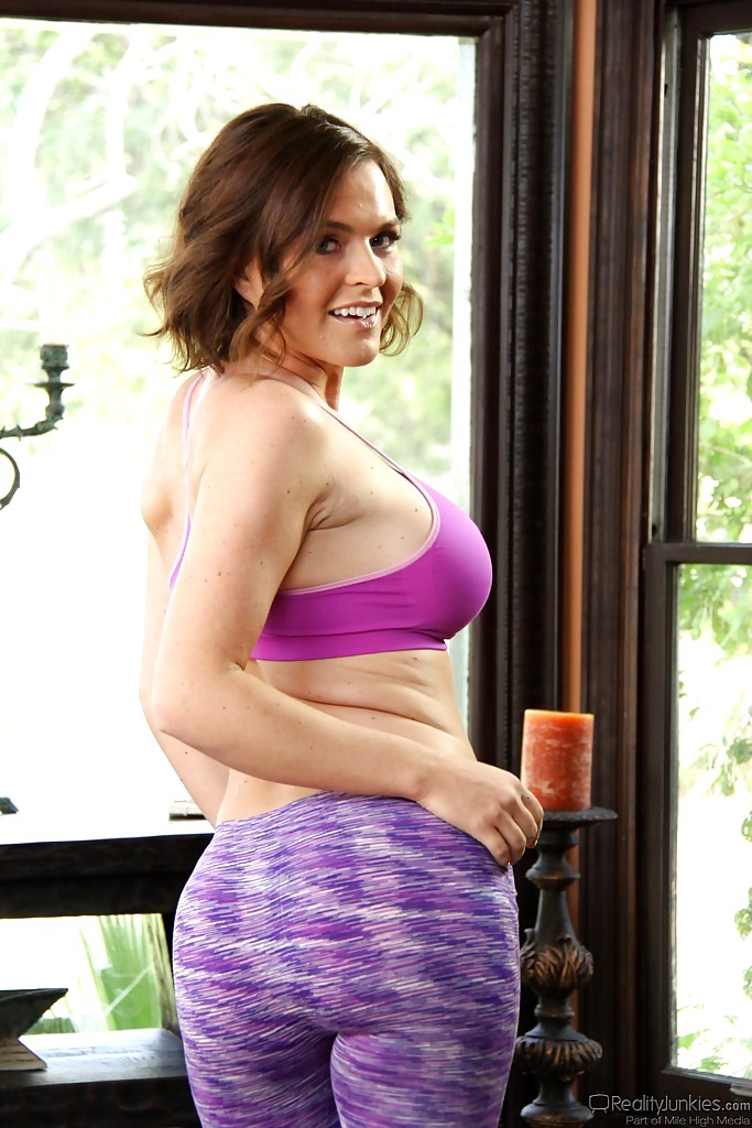 Mile High Media Krissy Lynn My Yoga Pants Hqpics Sex Hd Pics-4623