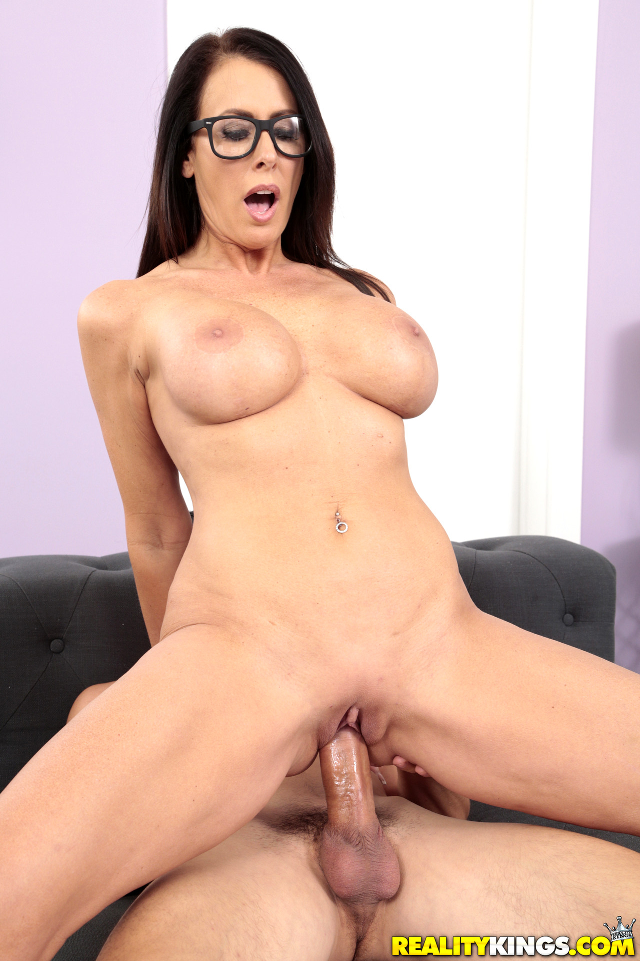 milf hunter reagan