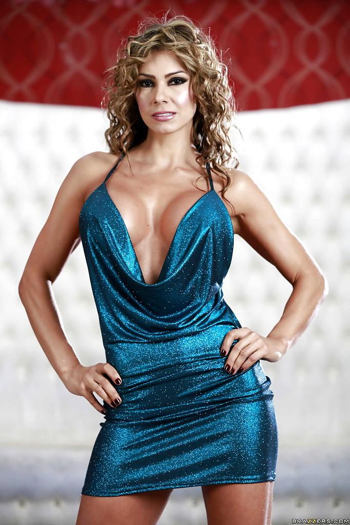 MILFs Like It Big Esperanza Gomez Decent Undressing Hdxxx