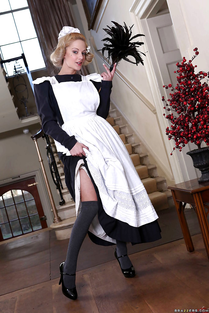 Amateur British Milf In Her Old School Uniform