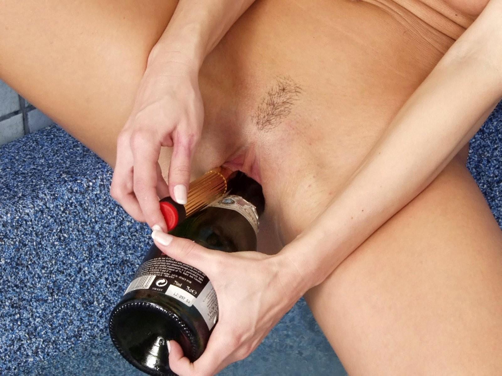 Фото парфюмерной мастурбации