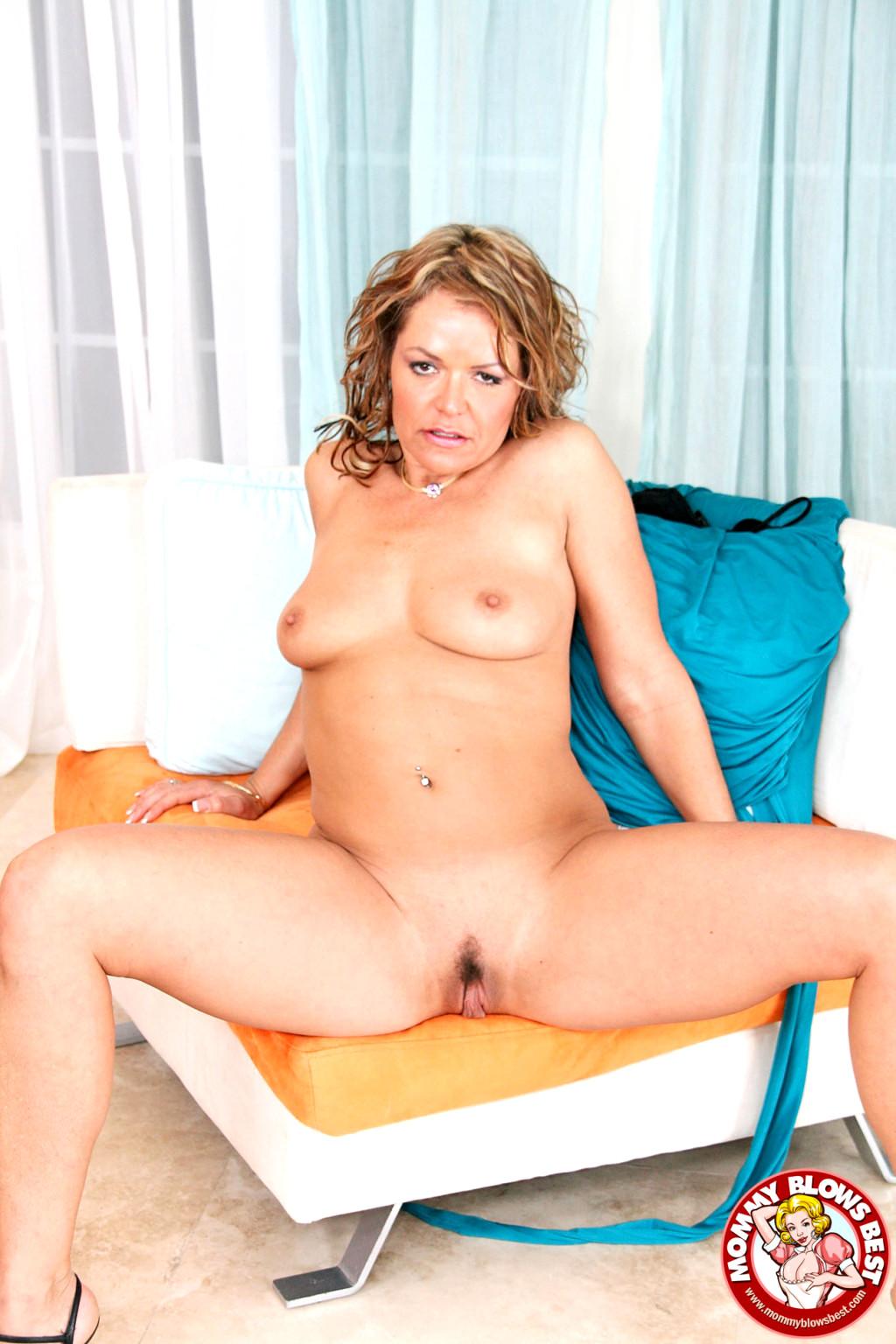Kelly Leigh Cougar Sex Club