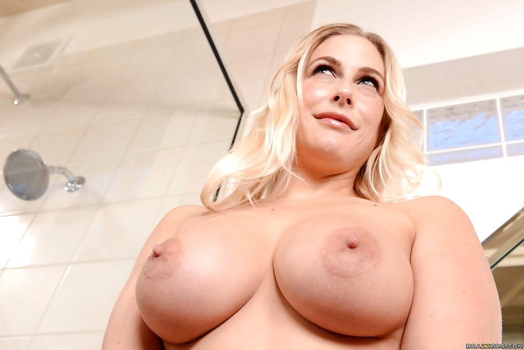 mommy got big boobs