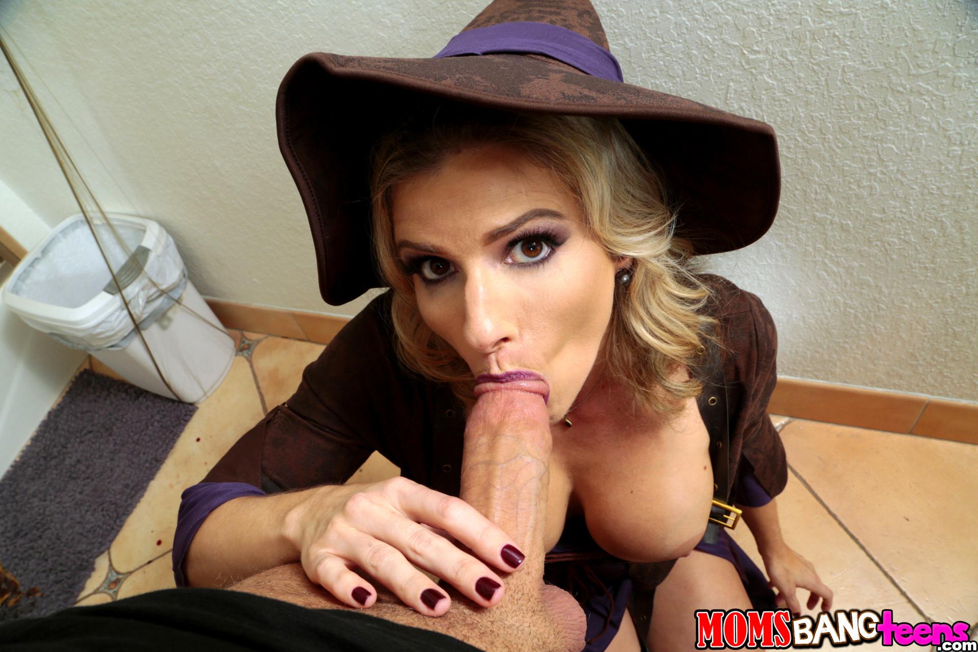 Brooke banner blowjob