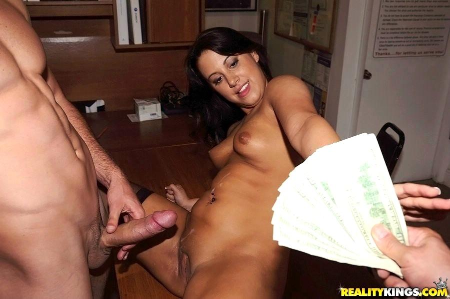 Amateur Picked Up Gets Naked For Cash Porn Photo