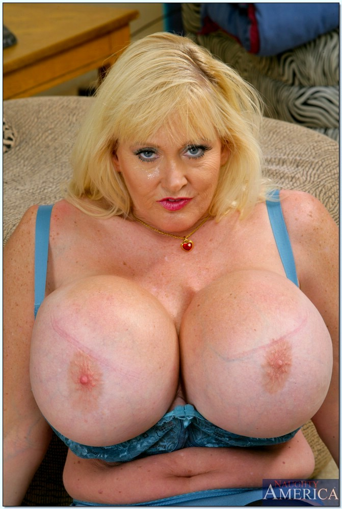 Sex Hd Mobile Pics My Friends Hot Mom Kayla Kleevage -6700