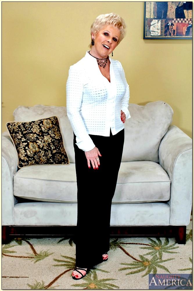Mrs Jewell Porn Videos 56