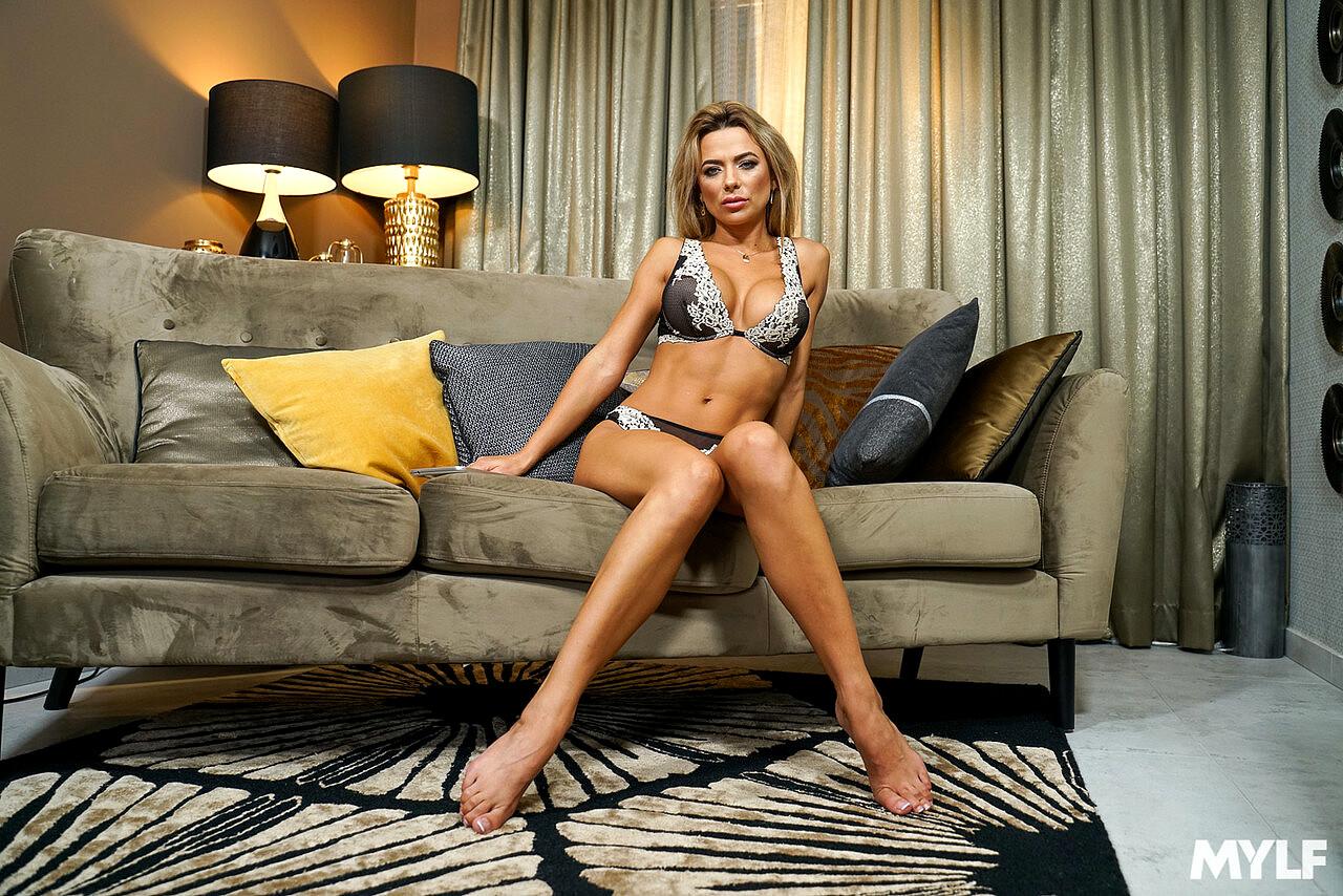 Mylf Shalina Devine Boob3min Brunette Beauties Sex HD Pics