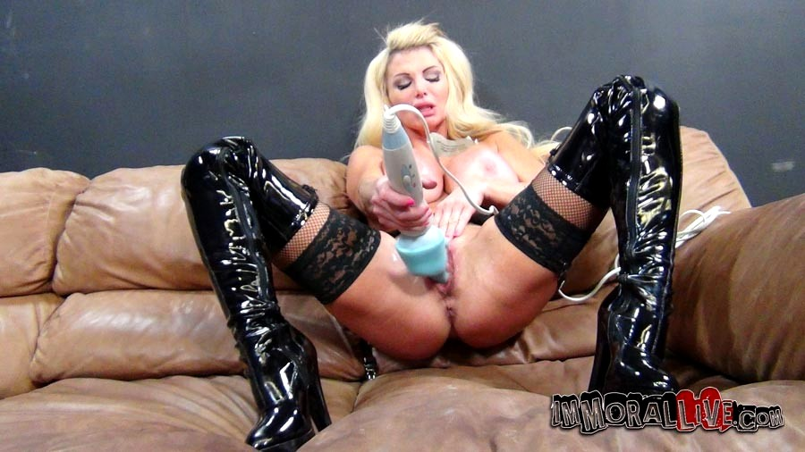 Taylor wane squirt galery search