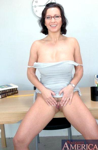 Cynthia lavigne bukkake free porn galery