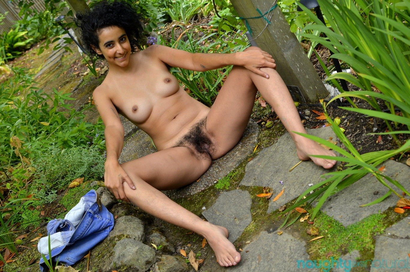 Hairy Pussy Petite Sofia Toying Unshaven Muff