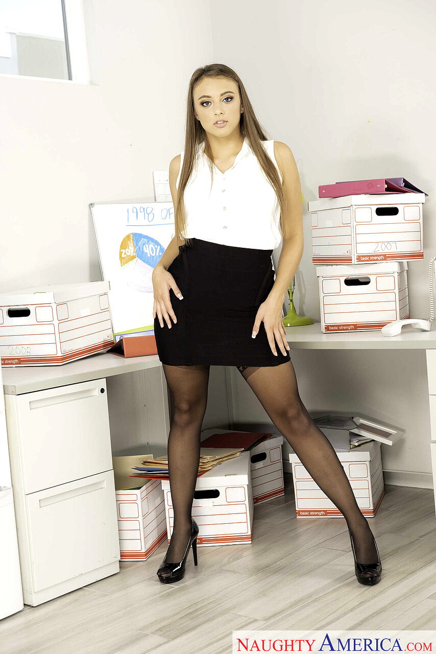 Naughty Office Gia Derza Johnny Castle Bootyliciouse