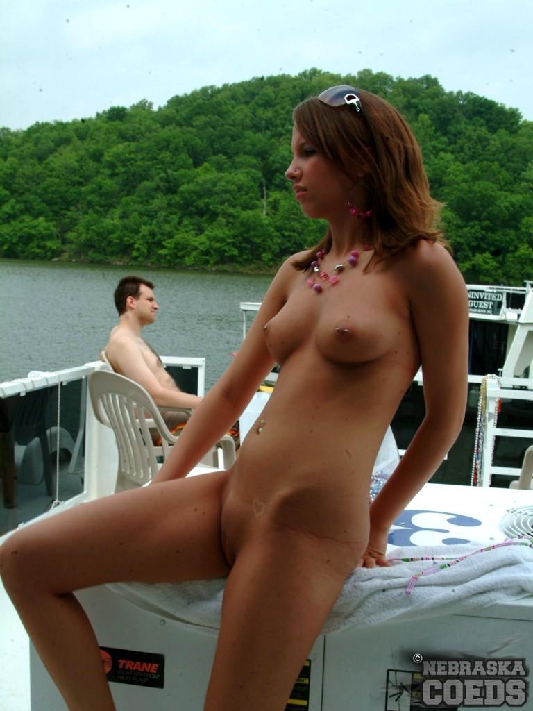 fat girl in bikini nudes