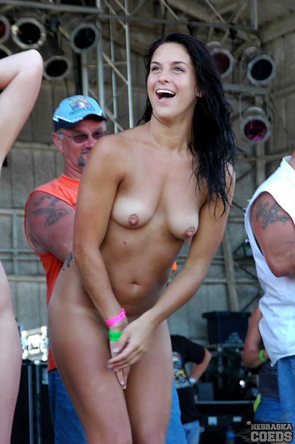 Women doing splits nude