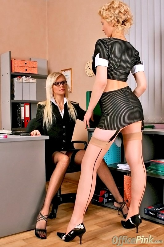 Гламурные дикие лесби офис, снятый случайный секс смотреть
