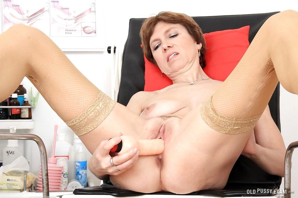 Old Pussy Exam Alice Tnaflix Porn Pics