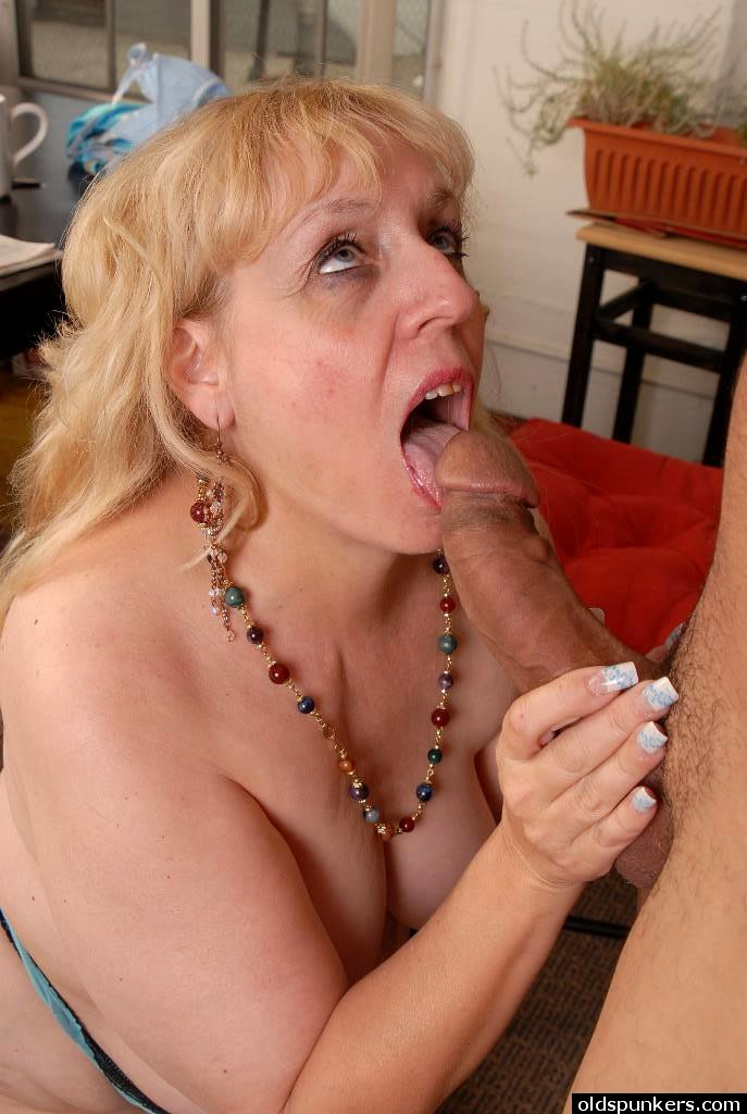 Sexy blonde brea bennett fucks her tight pussy - 2 part 10