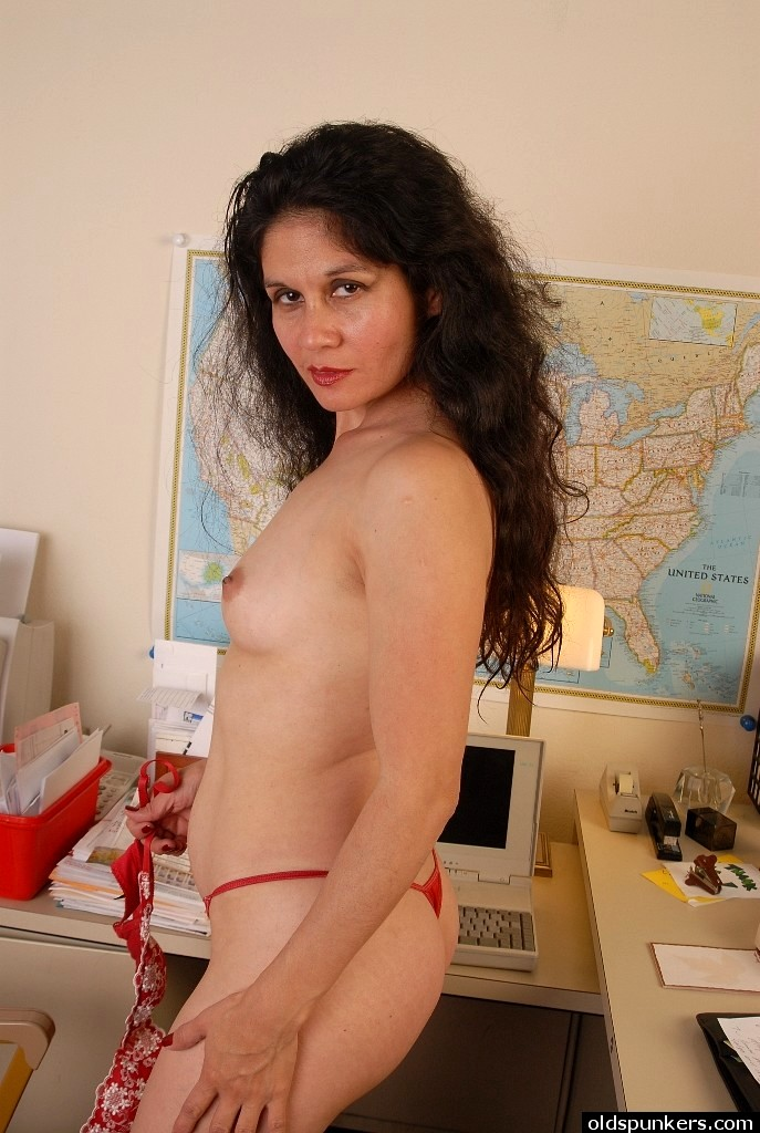 Celebrity Pics Of Stunning Nude Mature Pictures