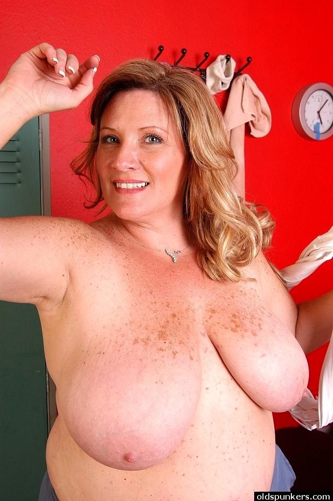 sexhd gallery oldspunkers deedra rae naughty nipples instagram deedra rae 6