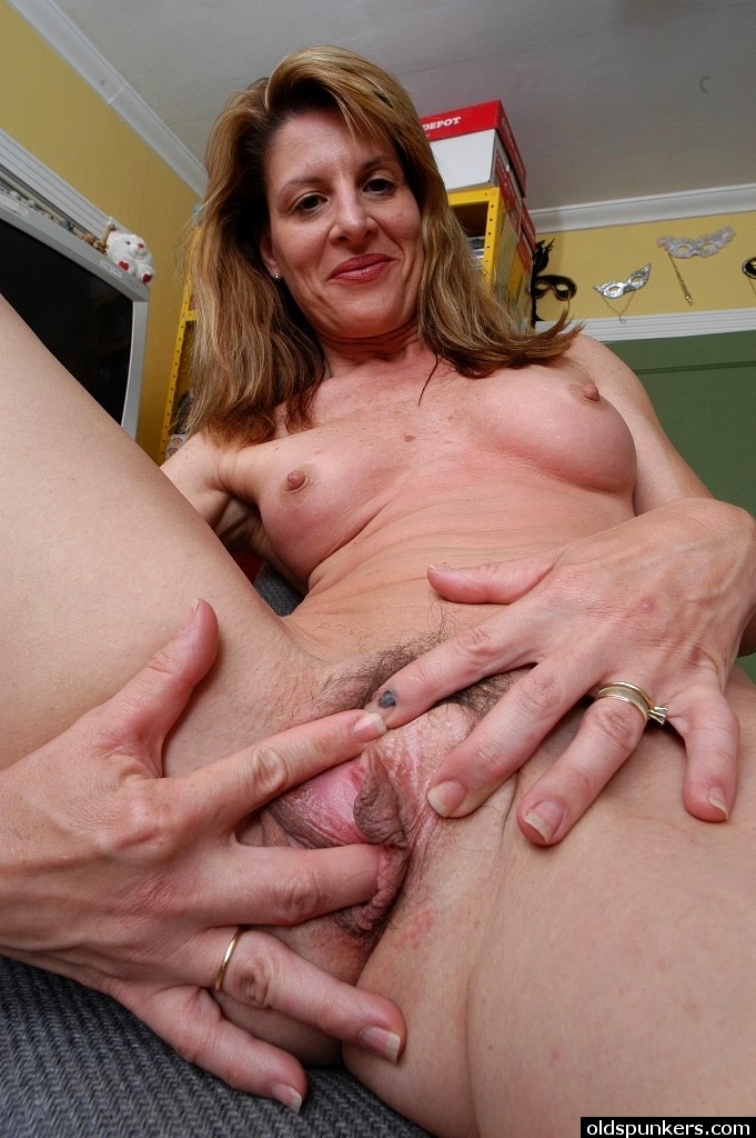 Mature Sex | Old Spunkers Linda