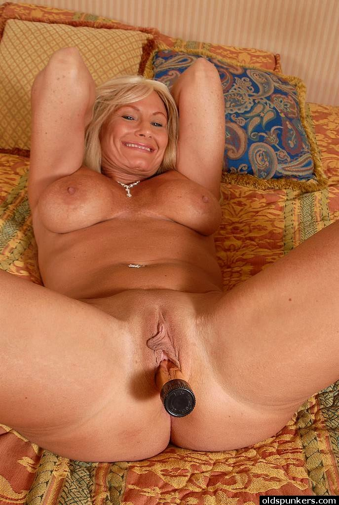 Big mature tit whore