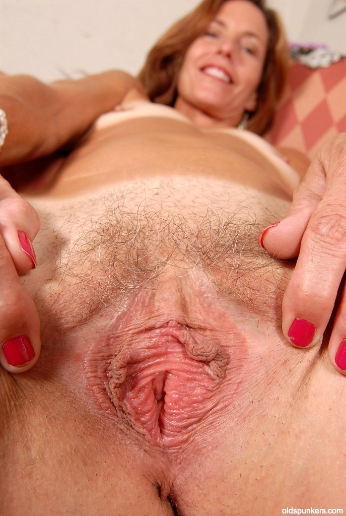 Old lady giving blowjob