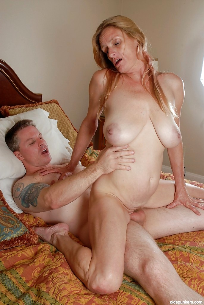 2 mature swinger ladies with a couple black cocks 3