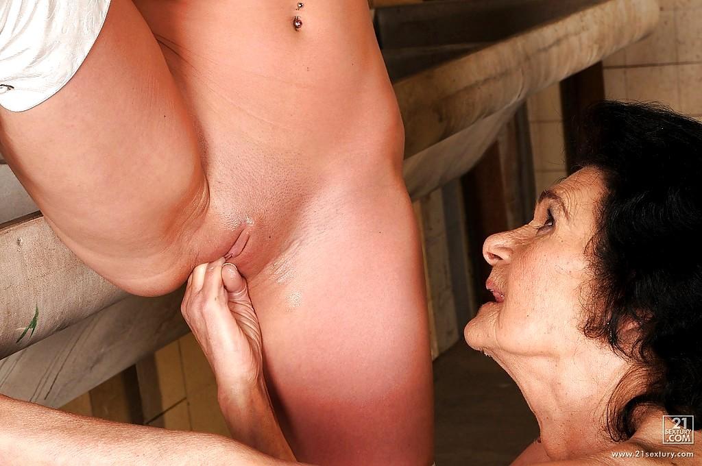 Porn lesbian big tits streaming