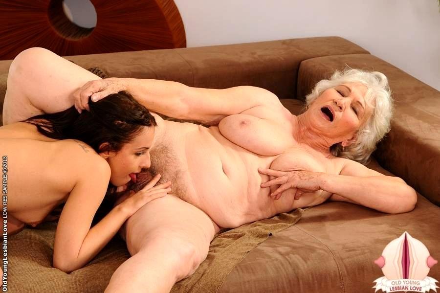 Парней телками старые толстые нимфоманки лесбиянки ебет жену