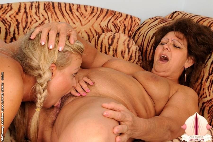 Жирные лесбиянки любят анал баба