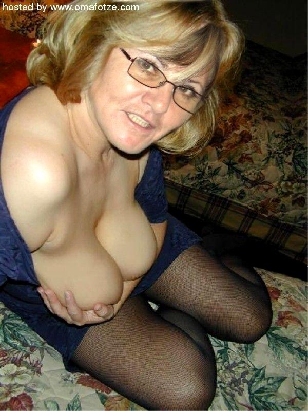 Oma boobs