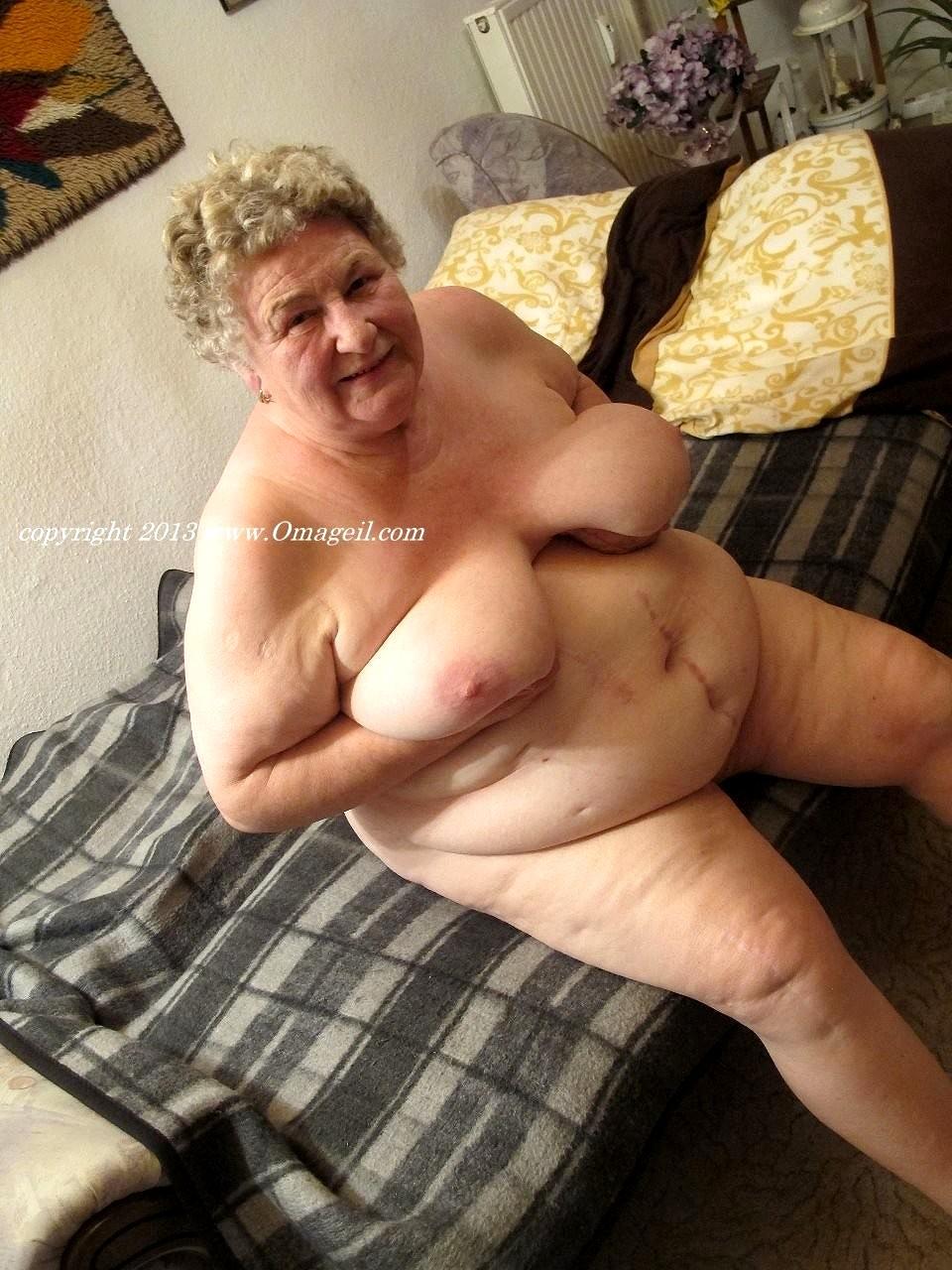 Hot nude bizarre girls