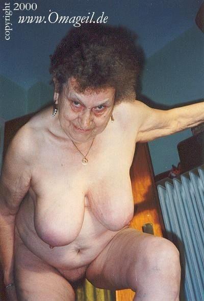Oma Geil Oma Geil Nasty Wrinkled Grandma Mature Home Sex -6695