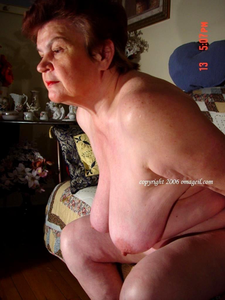 Granny Sex - Schwanz Spiele mit Oma