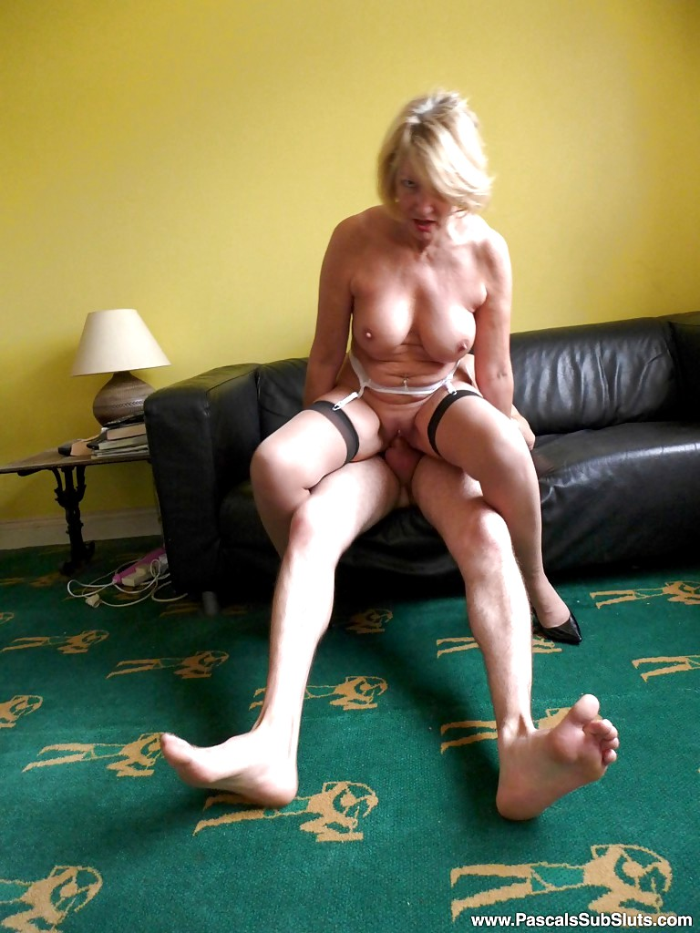 Tia the real amateur dogging cum slut - 1 6