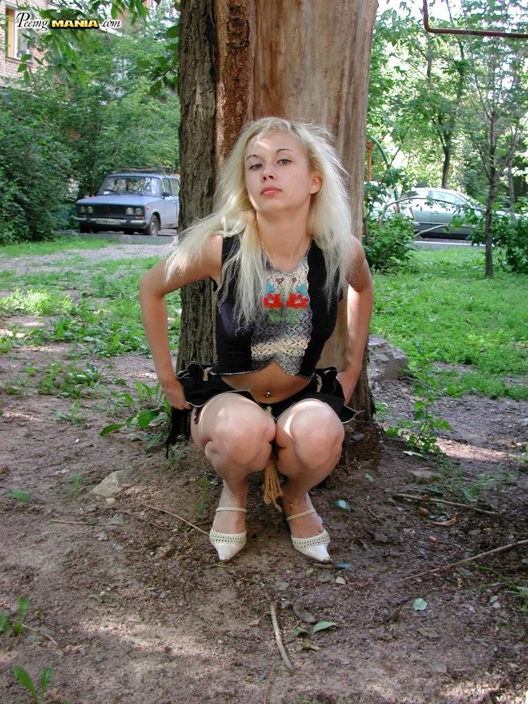 Фото писающих блондинок, смотреть порно привели жен и поменялись