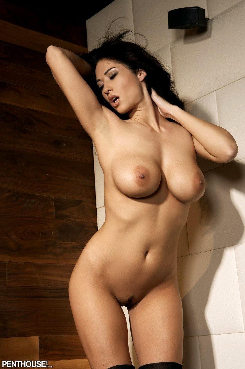 Naked shaved pussy model eatting grade
