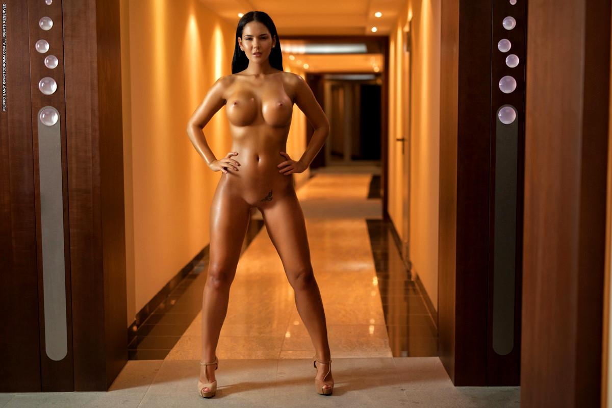 Kendra Wilkinson Holly Madison Naked