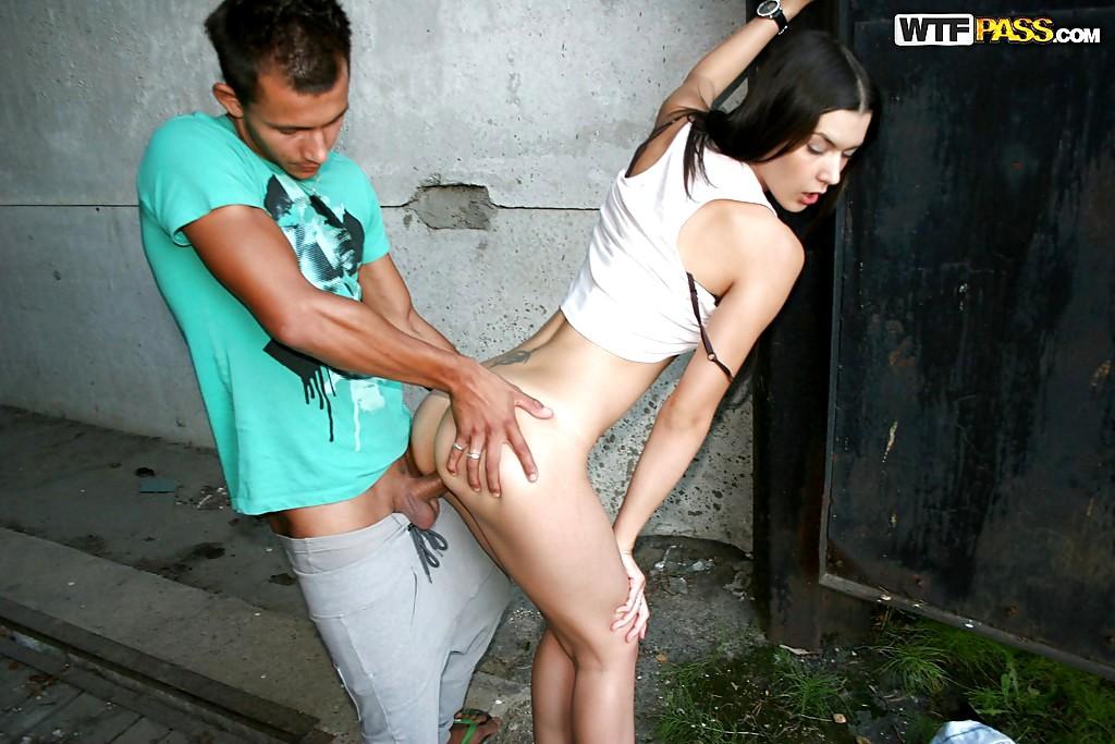 Как на улице знакомится с девушкой и трахают их #9