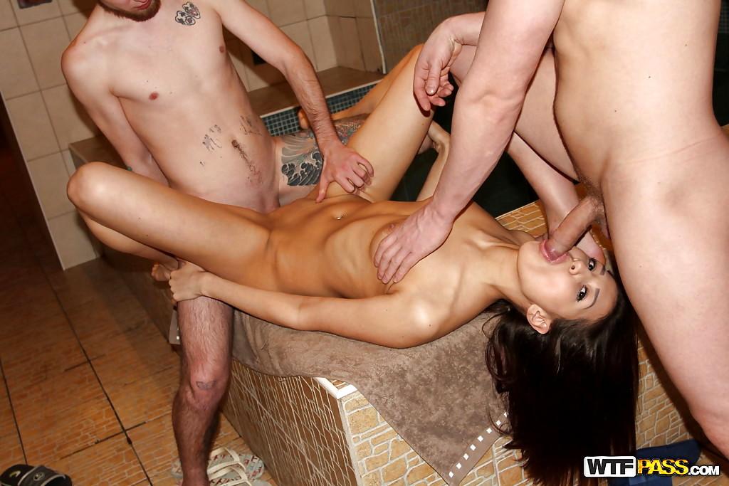 xxx golden shower videos