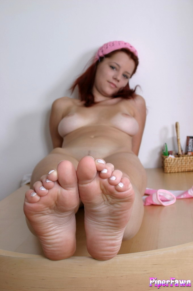 nude-girl-with-pretty-toes-nude-european-pornstar