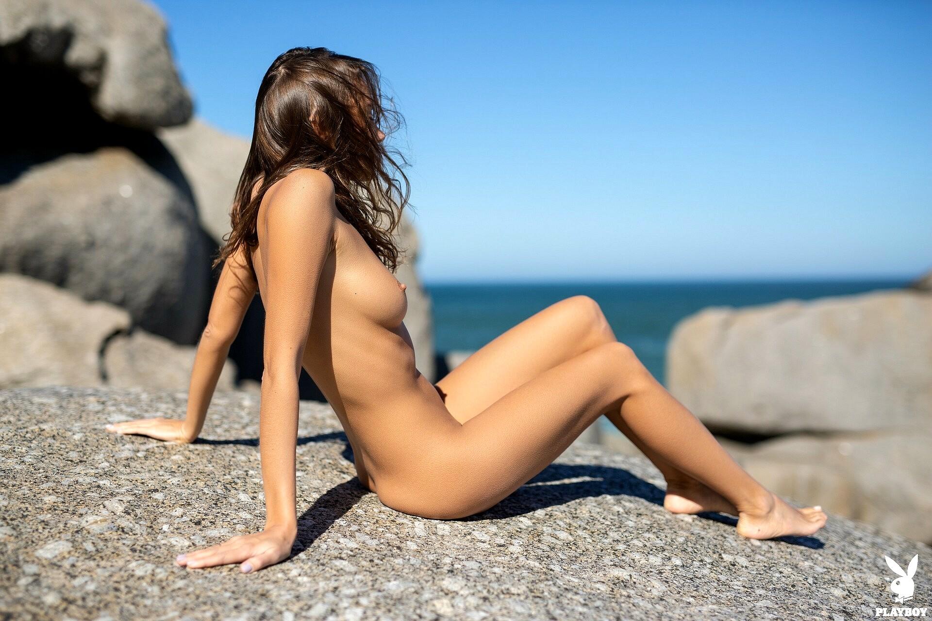Elly tran topless